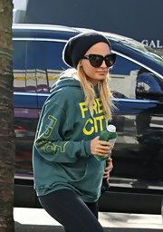 Nicole Richie hit the gym in a pair of House of Harlow sunglasses with distinct cateye frames