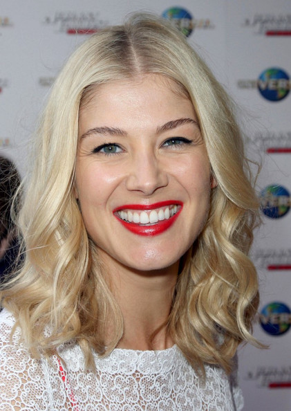 Rosamund Pike Red Lipstick