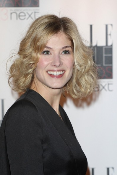 Rosamund Pike Curled Out Bob