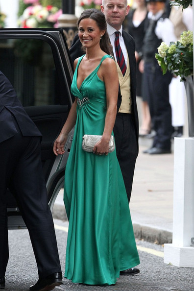 http://www2.pictures.stylebistro.com/bg/Royal+Wedding+Pippa+puts+party+dress+wmJr0g3sJf1l.jpg