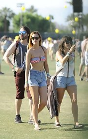 Rumer Willis rocked a pair of high-waisted denim shorts while at Coachella.