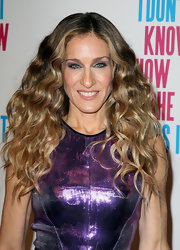 Sarah Jessica Parker was beaming at the Australian premiere of 'I Don't Know How She Does It.' She wore her ultra shiny locks in her signature style of flowing, voluminous waves.