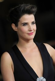 Cobie styled her hair in a voluminous pompadour-esque updo for the 'Safe Haven' premiere.