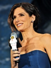 Sandra Bullock looked positively radiant at the 'Gravity' premiere in Japan with this messy chignon.