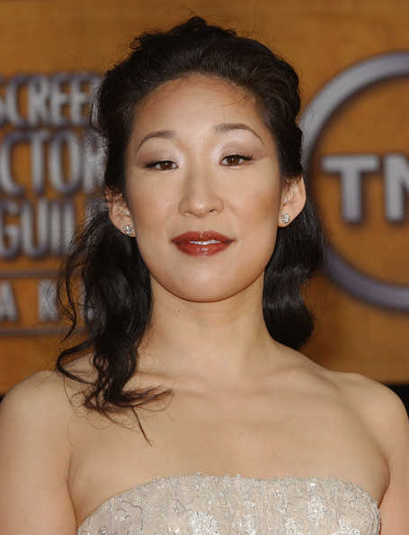 Sandra Oh Half Up Half Down []