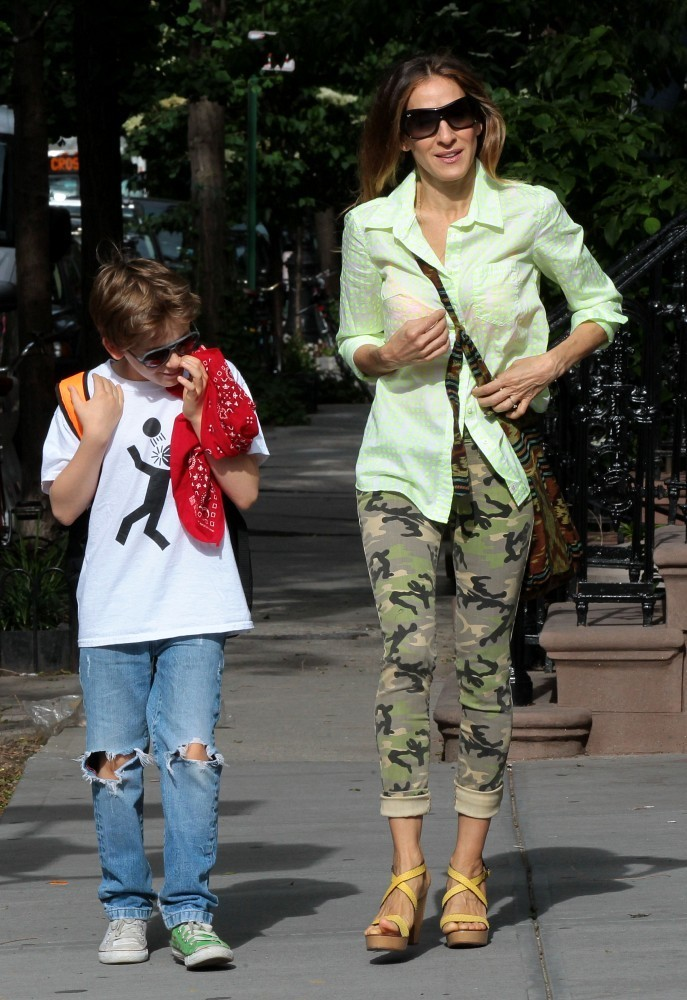 Sarah Jessica Parker walks her kids to school in the West Village on June 12, 2013.