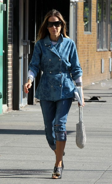 More Pics of Sarah Jessica Parker Denim Jacket (1 of 27) - Sarah Jessica Parker Lookbook - StyleBistro