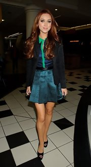 Una Healy opted for a black brocade-style blazer while out with 'The Saturdays' at the ITV Studios.