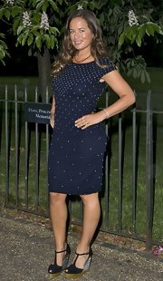 Jade Jagger was all kinds of elegant in this simple yet stunning navy blue cocktail dress.