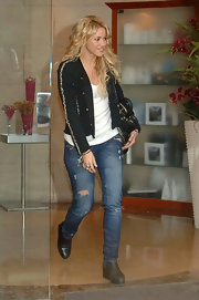 Shakira wears worn in torn jeans for her trip to the salon.