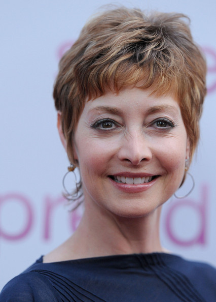 Sharon Lawrence Layered Razor Cut []