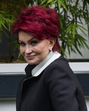 Sharon Osbourne was stylishly coiffed with this short wavy cut while visiting the ITV Studios.