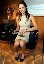 Ana Ivanovic was head-to-toe classic in her nude sheath dress and black patent leather pumps.