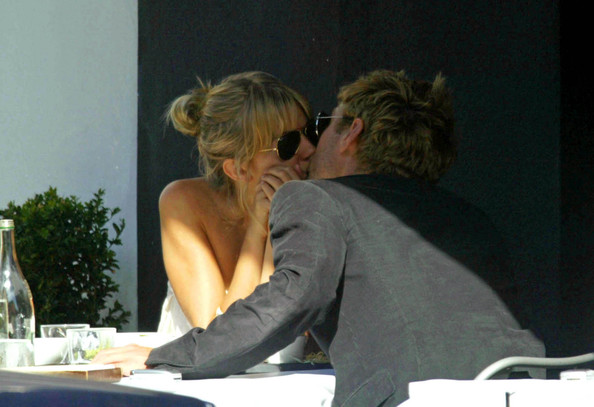 Celebrity PDA - Stars Caught Kissing in Public