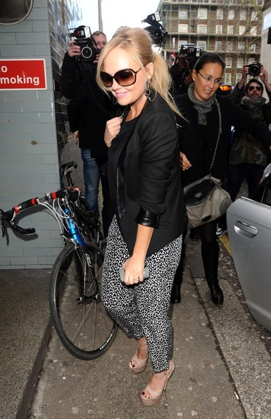 More Pics of Emma Bunton Skinny Pants (4 of 6) - Pants & Shorts Lookbook - StyleBistro
