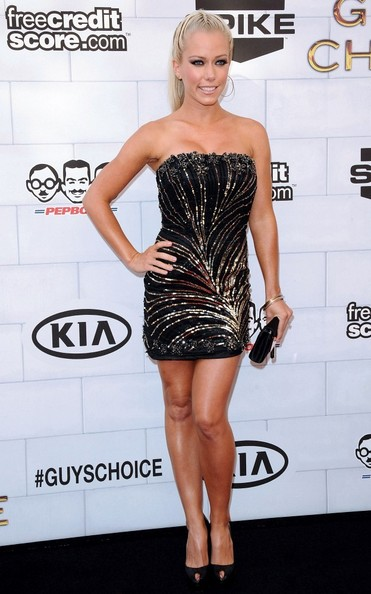 Kendra Wilkinson was a standout at the Guys Choice Awards in her beaded strapless number and braided pony.