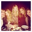 Jessica ALba Grabs Dinner With Friends