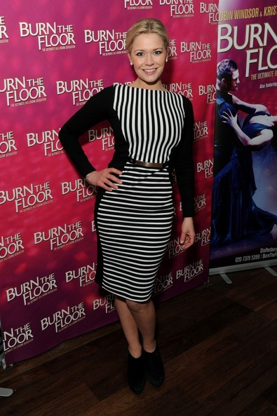 Suzanne Shaw Clothes