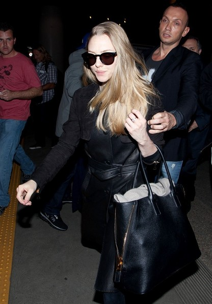 More Pics of Amanda Seyfried Wayfarer Sunglasses (1 of 16) - Amanda Seyfried Lookbook - StyleBistro