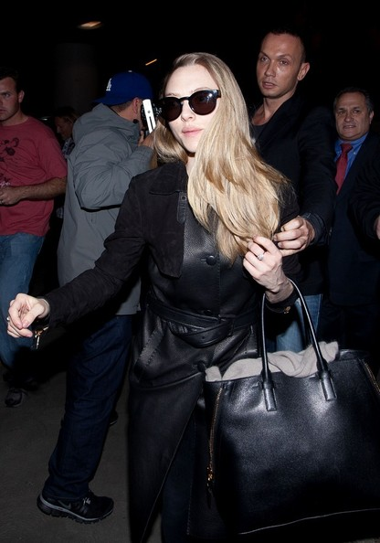 More Pics of Amanda Seyfried Wayfarer Sunglasses (2 of 16) - Amanda Seyfried Lookbook - StyleBistro
