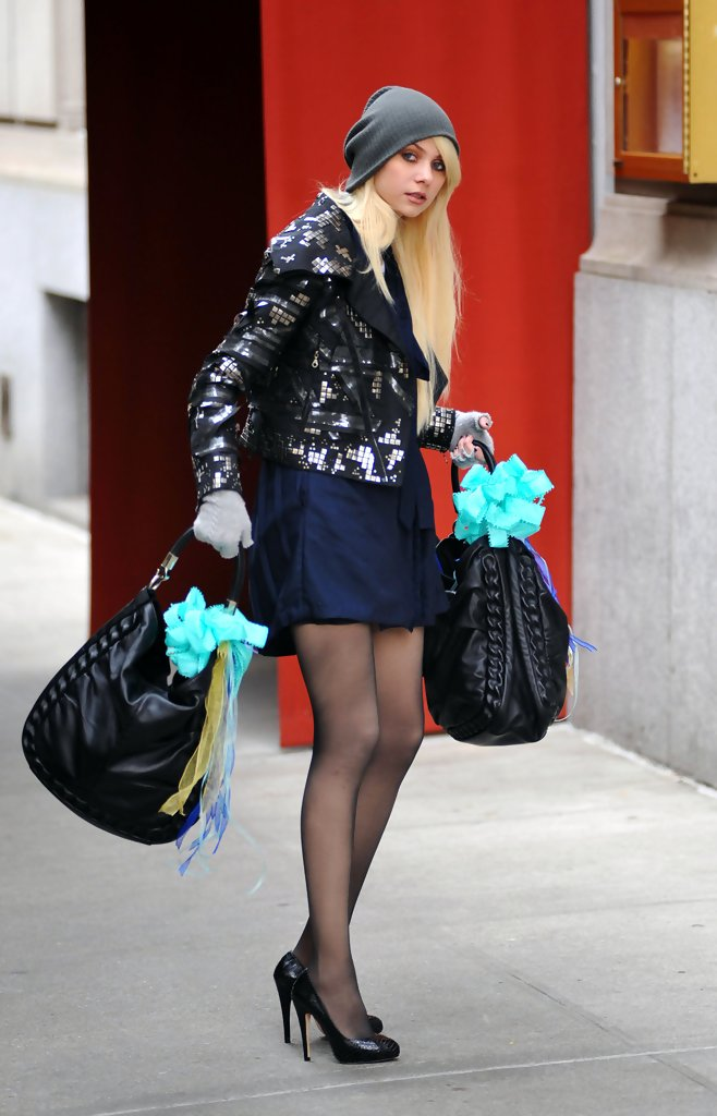 Taylor Momsen Pumps Taylor Momsen Shoes Looks Stylebistro