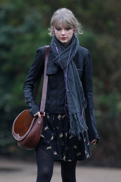 More Pics of Taylor Swift Satchel (1 of 18) - Taylor Swift Lookbook - StyleBistro