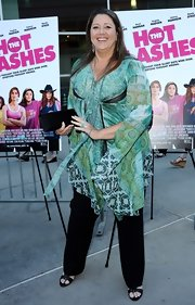 Camryn Manheim chose a boho-style tunic for her look at the premiere of 'The Hot Flashes.'