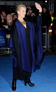 Meryl Streep wore a long-sleeve black dress for the 'Iron Lady' UK premiere.