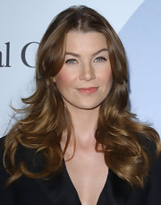 Ellen Pompeo framed her face with long polished layers.