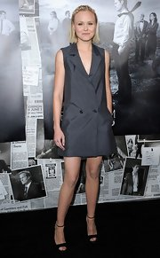 Alison Pill made menswear look feminine with this sleeveless, gray blazer dress.