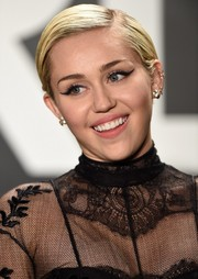 Miley Cyrus topped off her look with a long-winged cat eye.