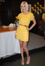 Tori rocked the second yellow dress of her promotional book tour when she signed books at The Grove.