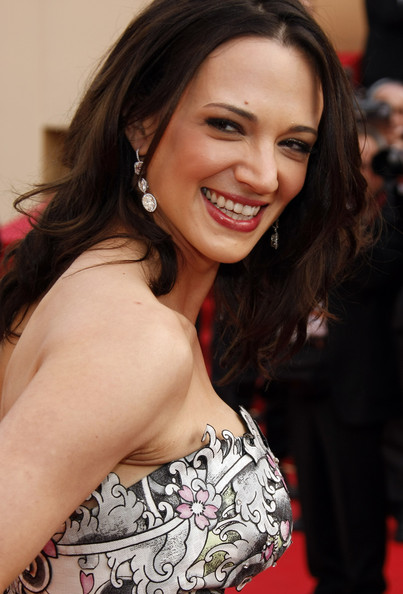 Asia Argento wore a pair of diamond drop earrings for a Cannes premiere.