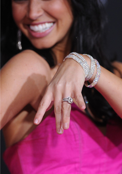 More Pics Of Melissa Rycroft Engagement Ring 3 5 Wedding Rings Lookbook Stylebistro