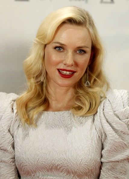 More Pics of Naomi Watts Dangling Diamond Earrings (1 of 21) - Naomi Watts Lookbook - StyleBistro