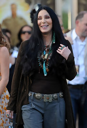 Cher's textured metal belt provided a feminine finish to her ensemble at the 'Zookeeper' world premiere.