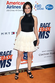 Rachael Leigh Cook wore a chic ruffled skirt to the annual Race to Erase MS event.
