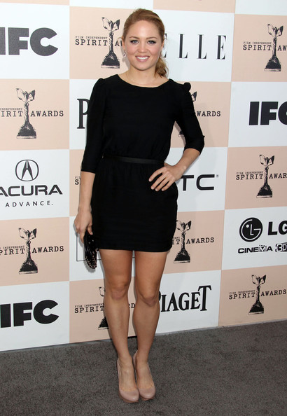 Erika Christensen lengthened her legs with classic nude patent pumps at the Independent Film Awards.