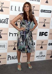 Eva Mendes accentuated the blue hue of her print dress with turquoise suede sandals at the Independent Film Awards.
