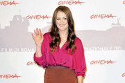 Julianne Moore Dons a Burnt Orange Pencil Skirt