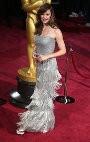 Jennifer Garner selected a detailed deco dress with beaded fringe for the 2014 Academy Awards.
