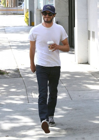 Adam Brody chose classic, straight-leg jeans for his super-casual look.