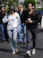 Lara Lieto took the ripped jean to a new level with this ultra-distressed denim look.