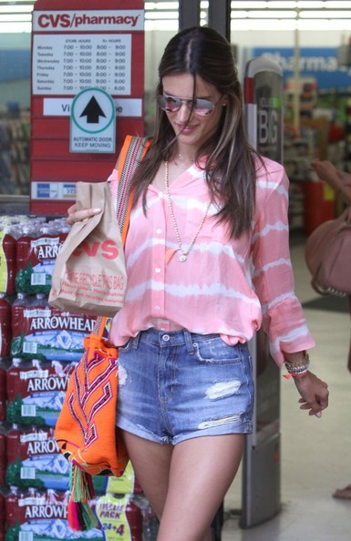 More Pics of Alessandra Ambrosio Denim Shorts (1 of 13) - Denim Shorts Lookbook - StyleBistro