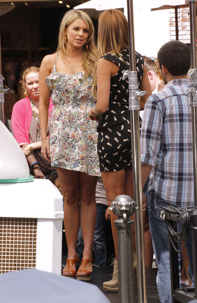Shannon Elizabeth And Ali Fedotowsky Doing An Interview For EXTRA
