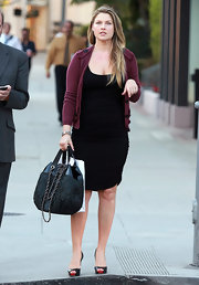 Ali Larter shopped in style carrying a black quilted Chanel tote with patent leather trim.