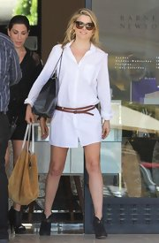 Ali Larter rocked a classic and crisp shirt dress while out shopping in Beverly Hills.