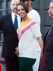 Alicia Keys sported this cool geometric-print sweater for her visit to 'Extra!'
