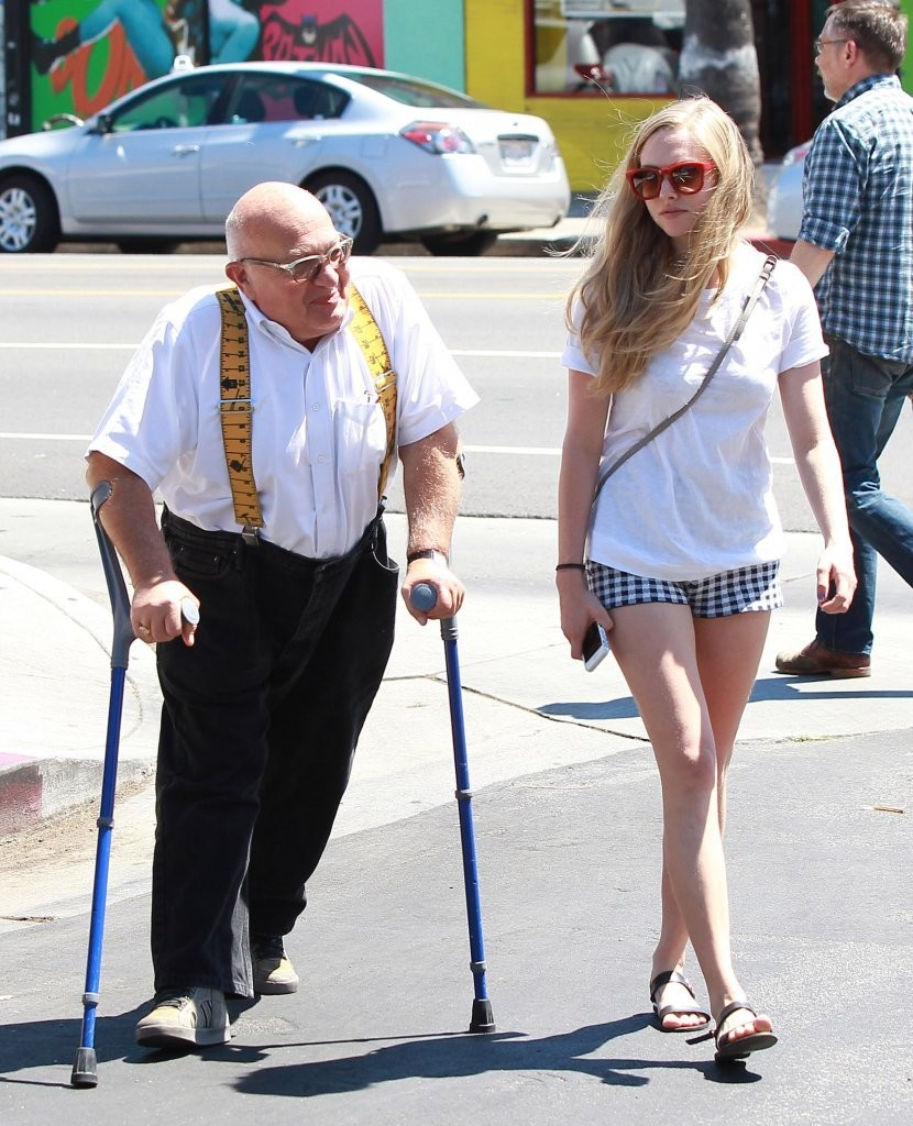 Amanda Seyfried Hangs Out with an Older Man