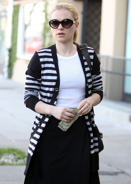 More Pics of Anna Paquin Leather Messenger Bag (3 of 8) - Anna Paquin Lookbook - StyleBistro